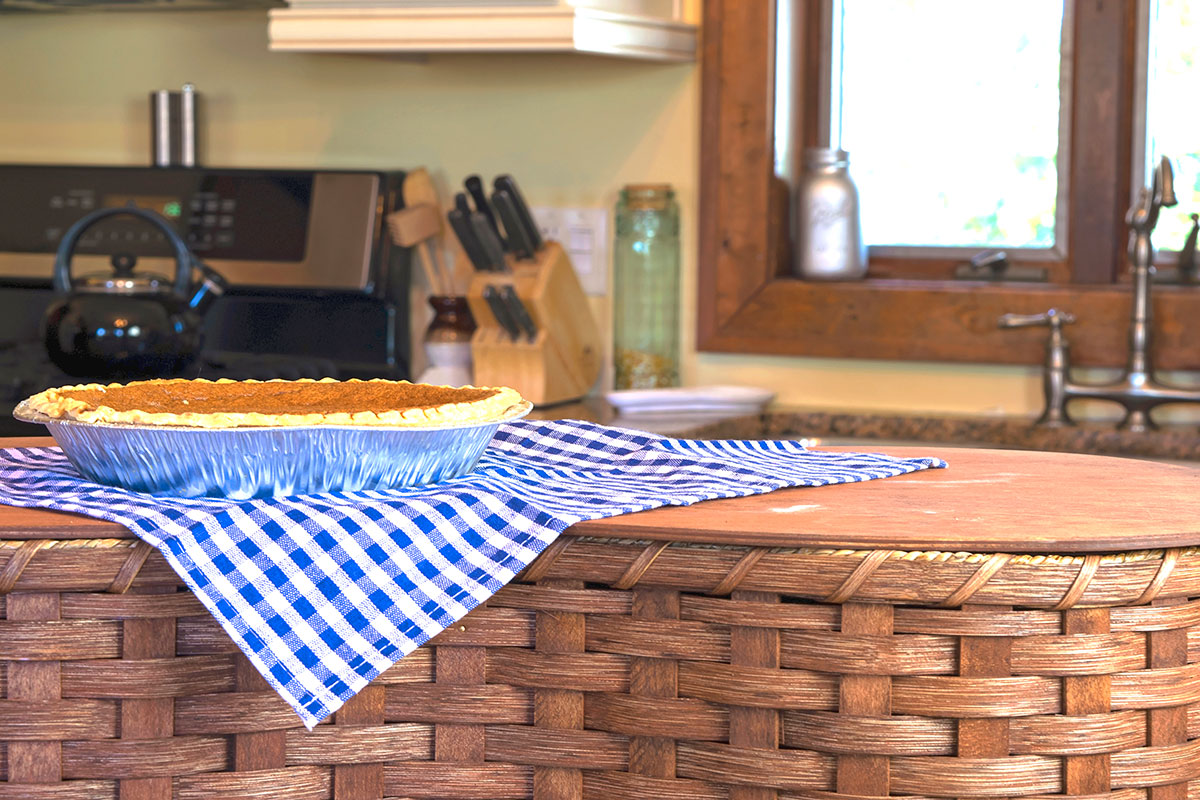 Amish Made Cake, Pie & Casserole Basket Collection
